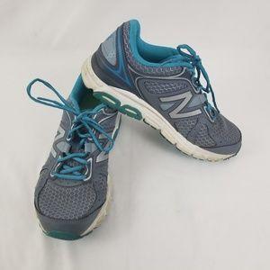 New Balance 560 V6 Womens Size 9 Shoe